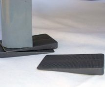 Wedge-it_Table & Appliance stabilizer